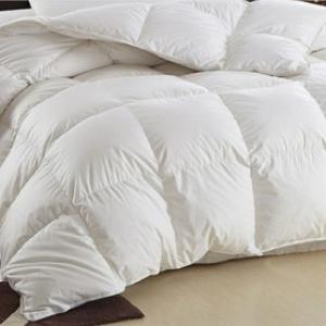 Стирать одеяло дома или в химчистке?